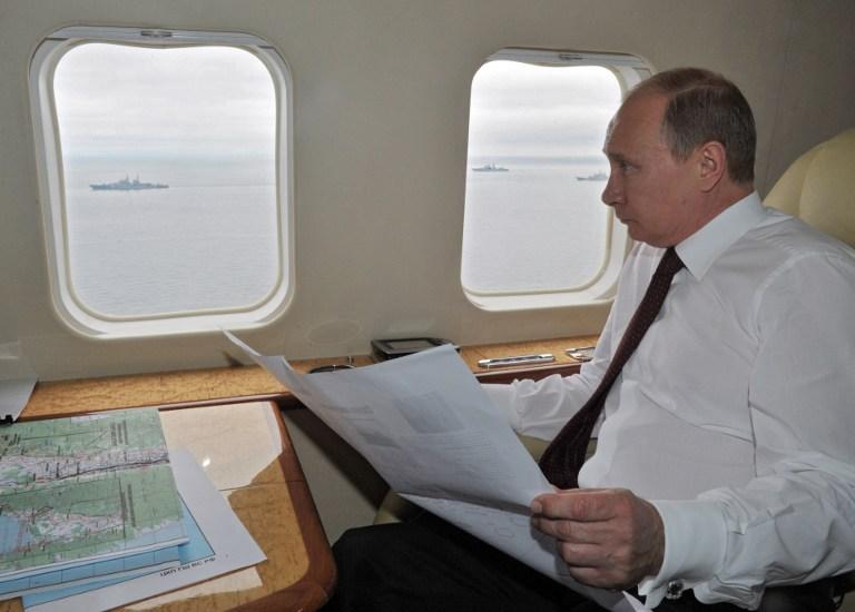 """Bomba atomowa i """"zielone ludziki"""" - tak Putin zgarn�� Ukrain�"""