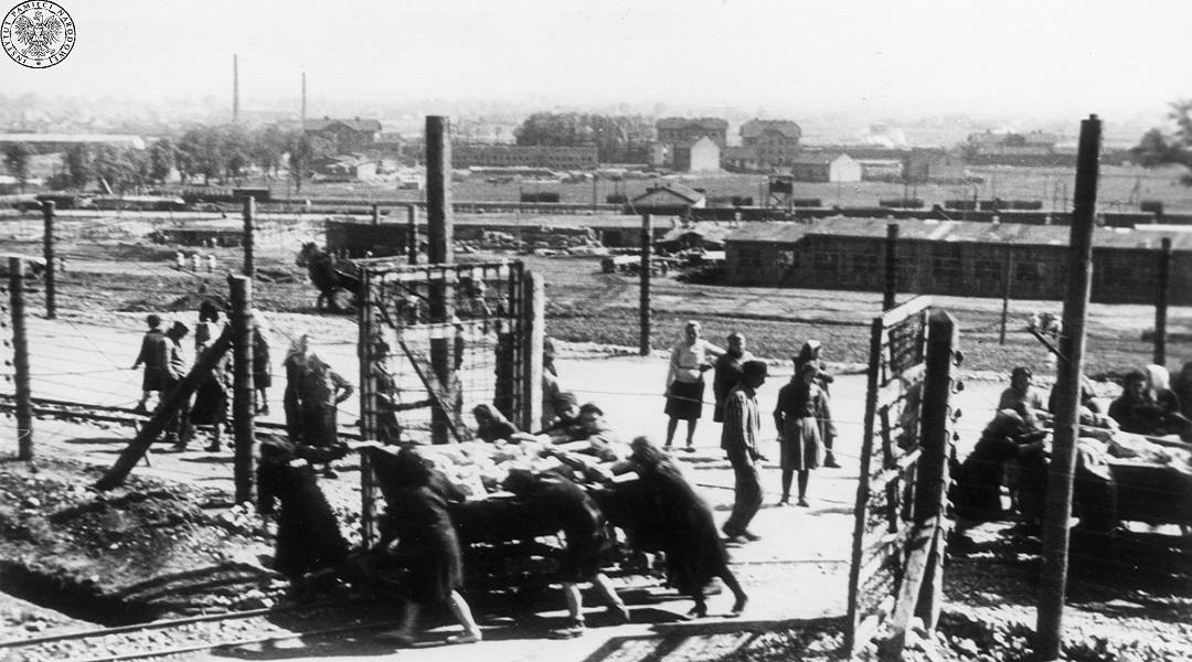 Więźniowie Obozu Pracy Przymusowej Plaszow.
