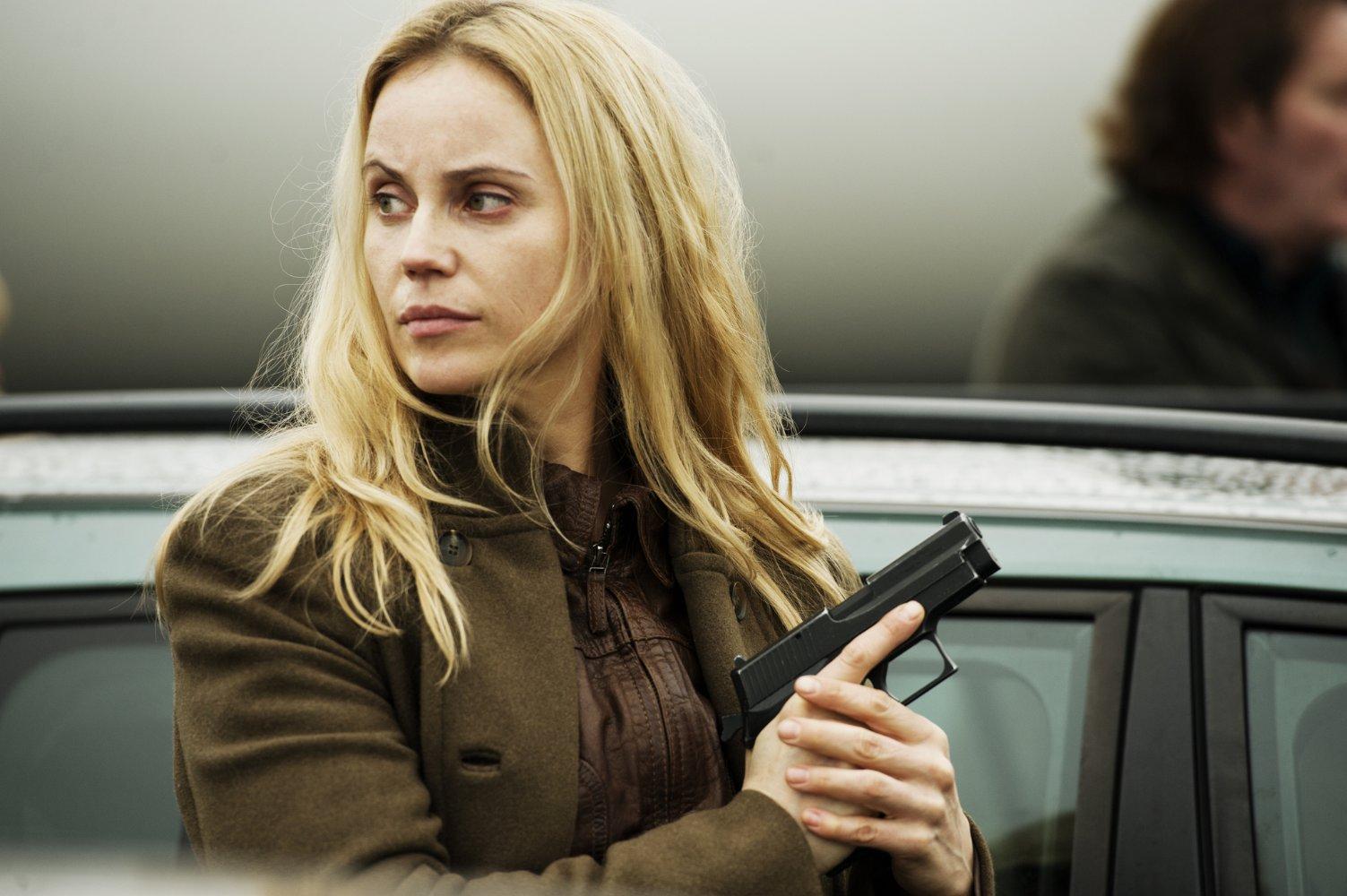 "Sofia Helin jako Saga Norén w serialu ""Most nad Sundem"""