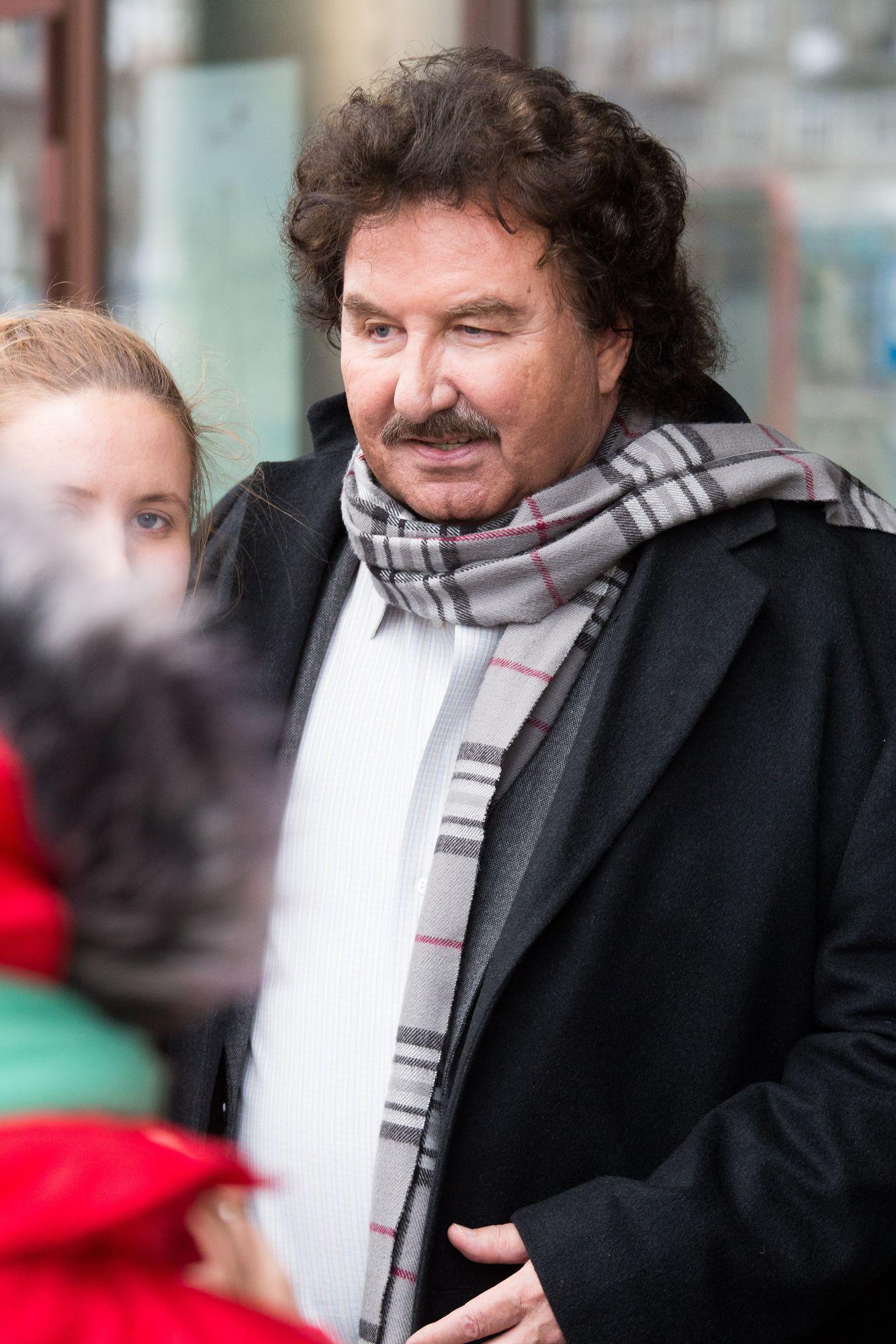 Krzysztof Krawczyk W Coraz Gorszym Stanie Piosenkarz