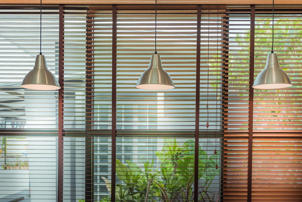 Żaluzje Drewniane Czy Rolety Z Materiału Wp Dom