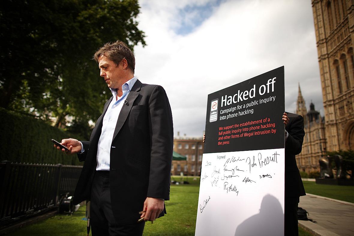 Hugh Grant po skandalu z podsłuchiwaniem telefonów przez brytyjskie tabloidy przyjął rolę działacza na rzecz poszanowania prywatności