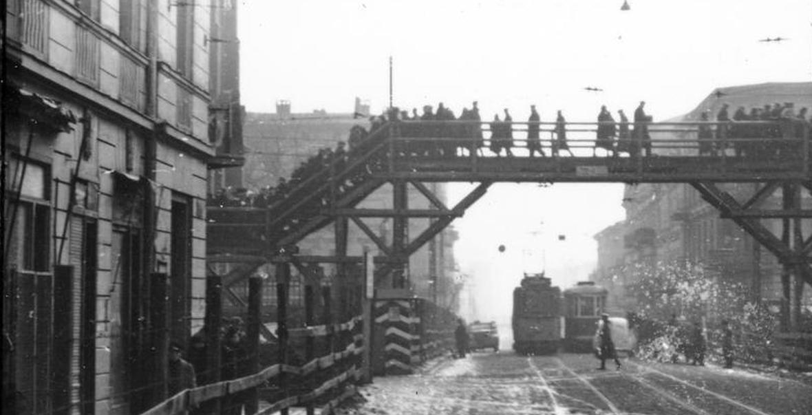 Kładka nad Zgierską i Wojska Polskiego, łącząca dwie części getta łódzkiego