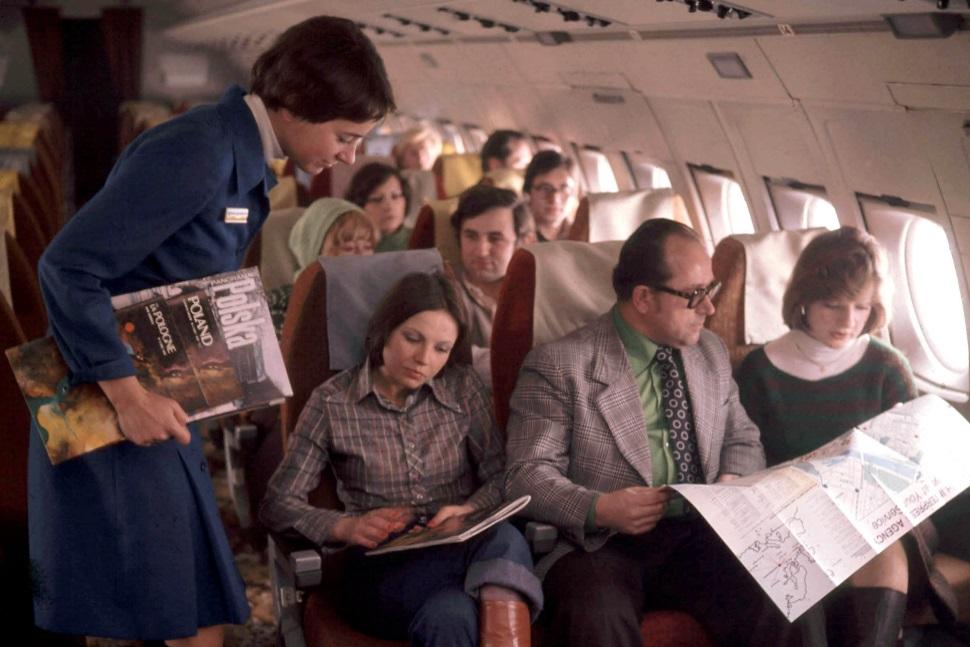 stewardesy łączą się z pilotami
