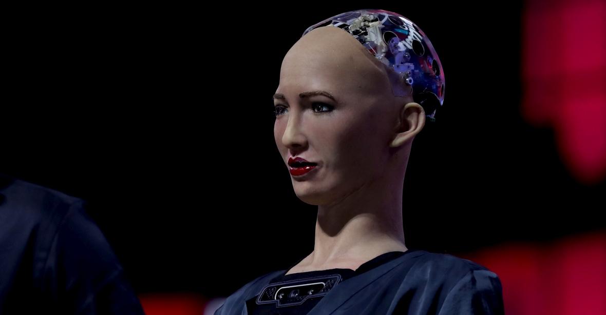 Robot Sophia, stworzony przez Hanson Robotics, przemawia na konferencjach naukowych, wprawiając w zdumienie widzów