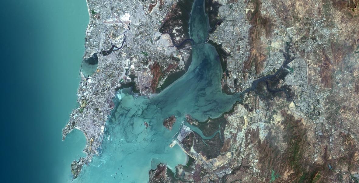 Mumbaj (d. Bombaj), Indie - olbrzymia metropolia liczy 18,4 miliona mieszkańców