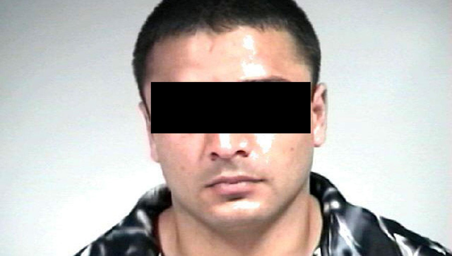 d22a4621e7 Podczas aresztowania 30-latek miał przy sobie fałszywe dokumenty na kilka  nazwisk. Mógł przedstawiać się jako obywatel Rumunii