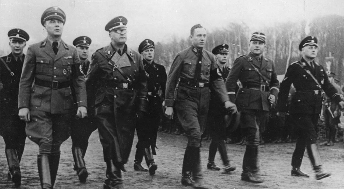 Wilhelm Koppe pierwszy z prawej