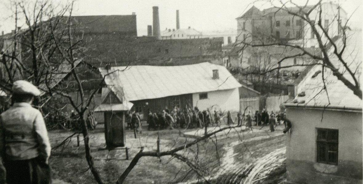 """Kołomyja, 6 kwietnia 1942 roku. Jedna z niemieckich """"akcji"""""""