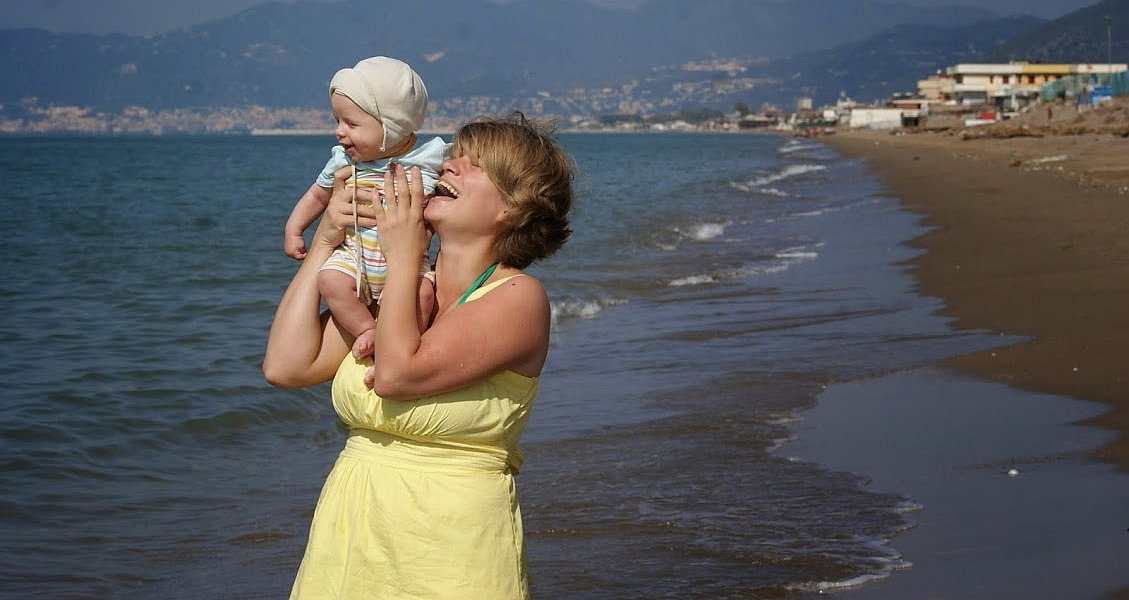 Dumna mama i szczęśliwy Adaś