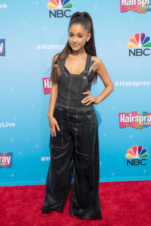 Ariana Grande W Spodniach I Staniku Udana Stylizacja