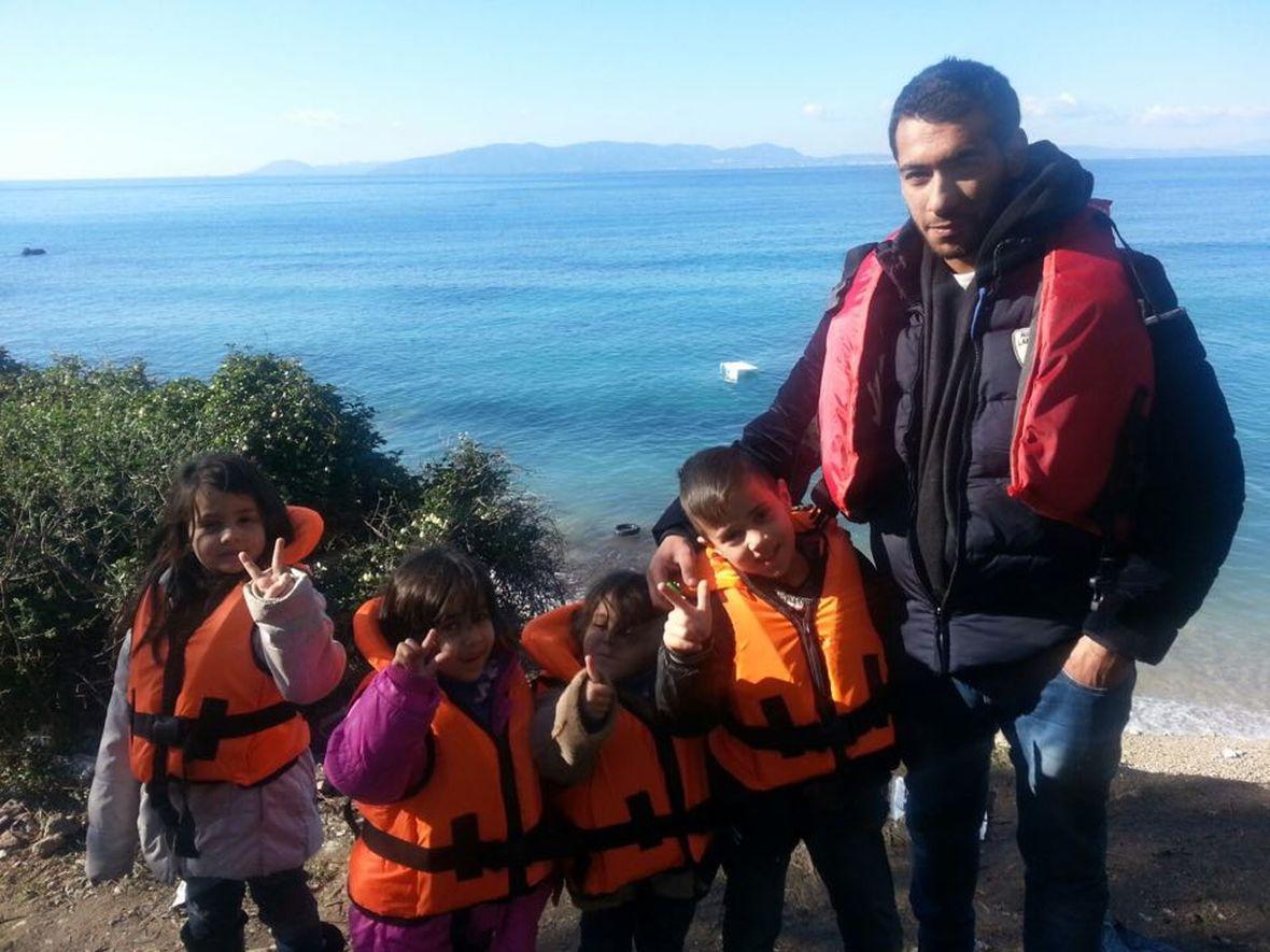 Wybrzeże w dystrykcie Dikili. Uchodźcy czekający na nielegalną przeprawę łodziami na Lesbos