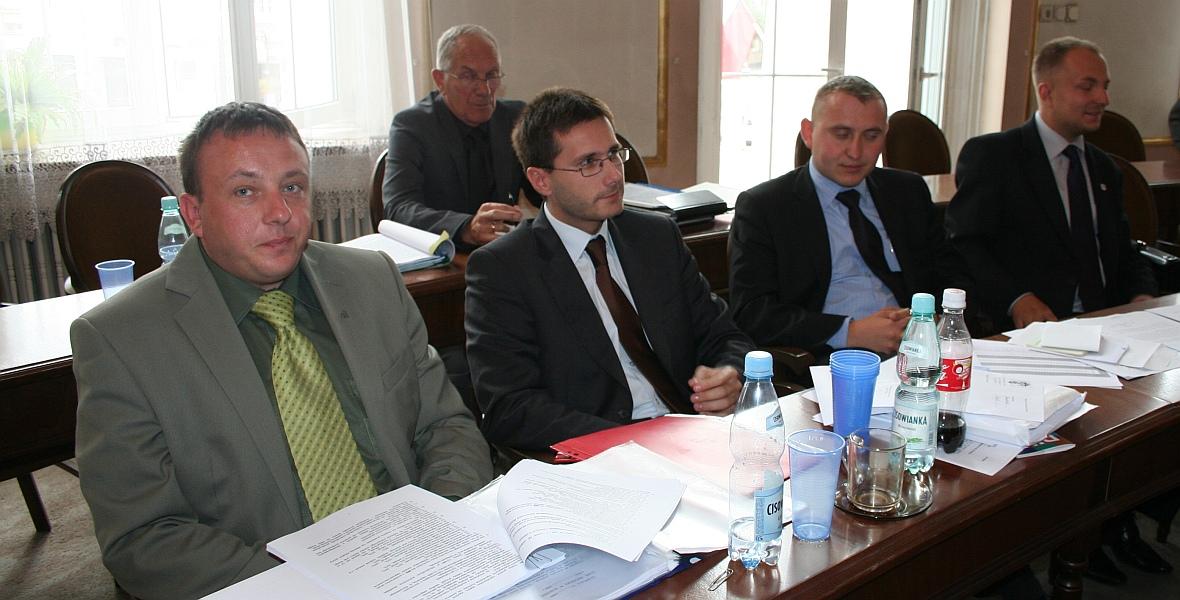 Radosław Fogiel kilka lat temu - drugi od lewej na pierwszym planie