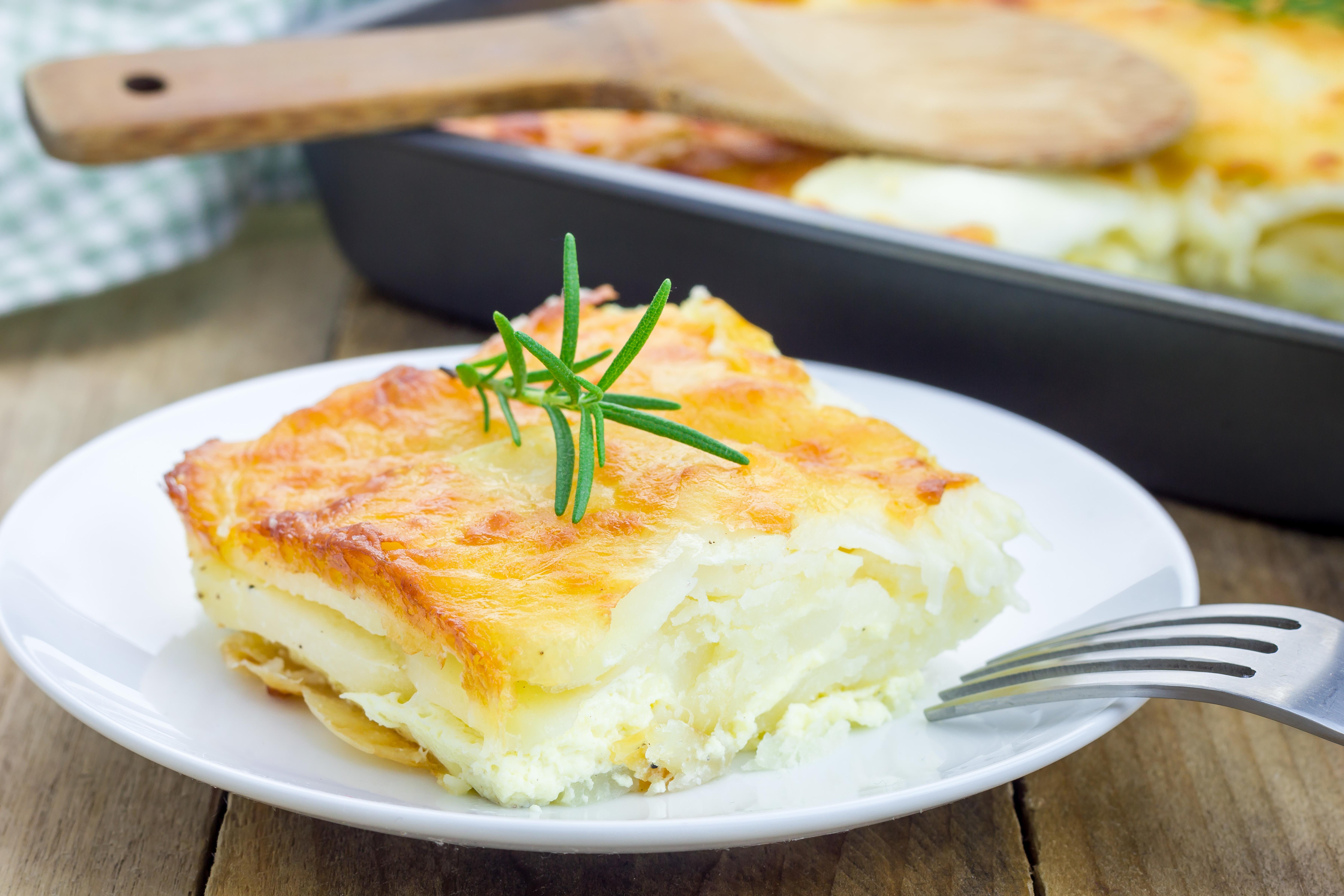 Jaką można zrobić potrawę, gdy mamy do dyspozycji biały ser, ziemniaki i mąkę?