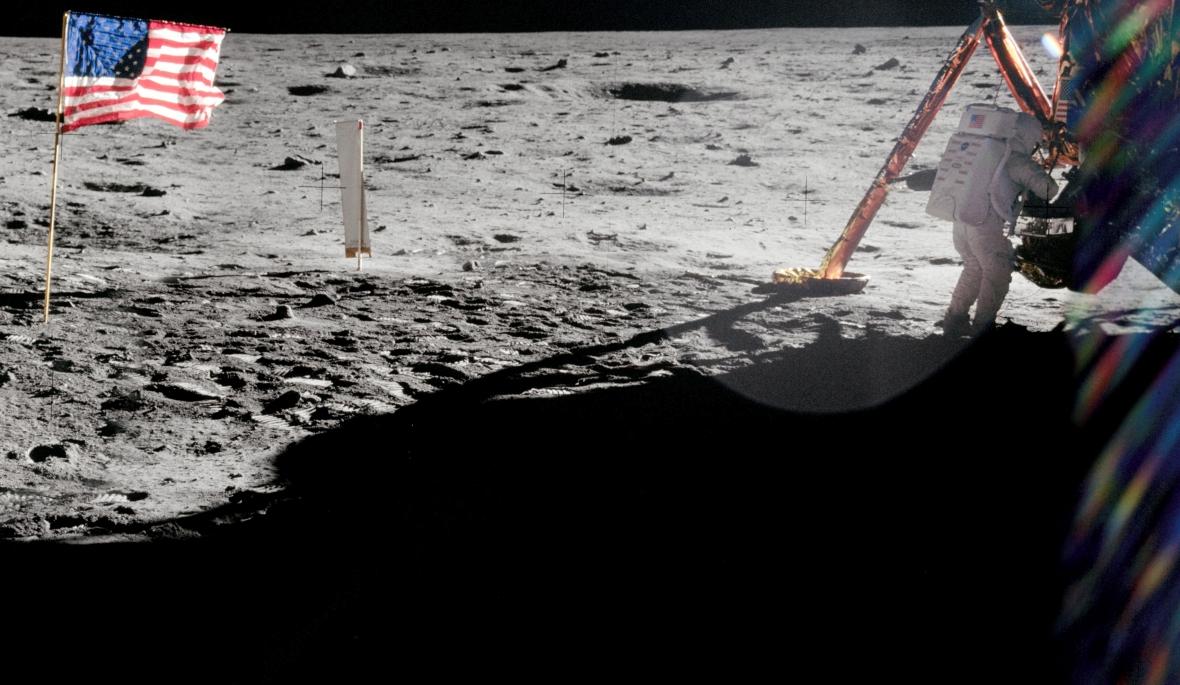 Neil Armstrong na Księżycu, w obiektywie Buzza Aldrina