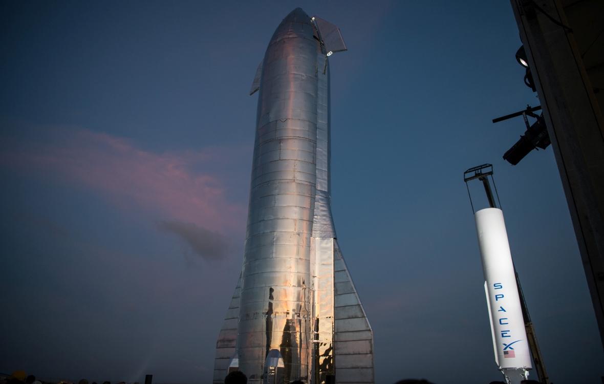 Tak będzie wyglądał Starship - najnowszy pojazd kosmiczny firmy Space X. Ma umożliwić ludzkości dotarcie na Marsa