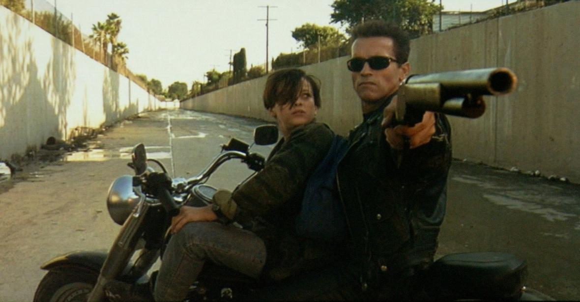 """Arnold Schwarzenegger jako niezwyciężony robot w filmie """"Terminator 2"""""""