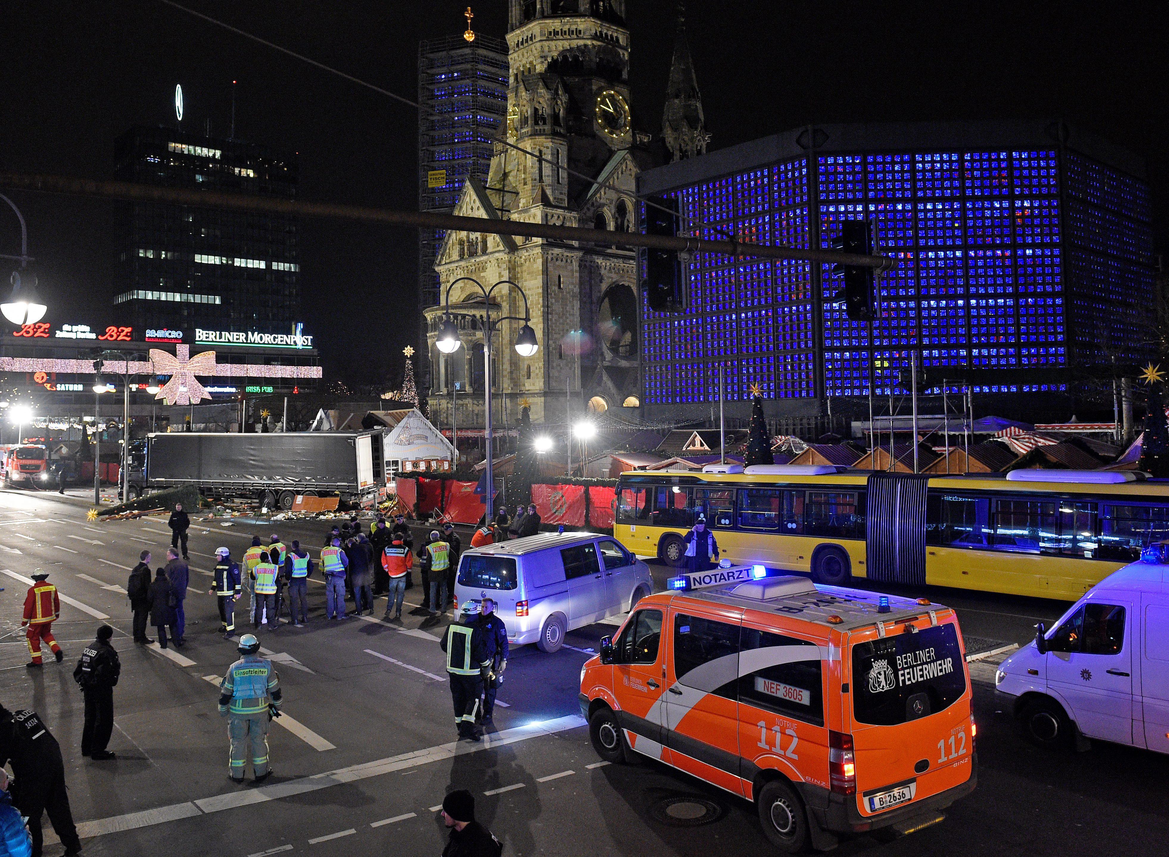 Zamach Photo: Niemcy Oddają Ciężarówkę, Użytą W Zamachu W Berlinie