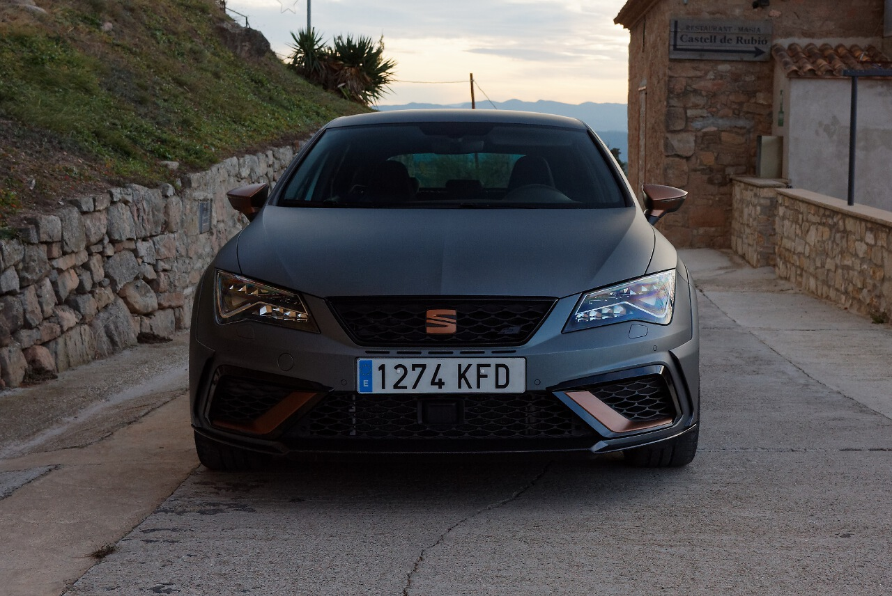 seat leon cupra r occasion seat leon 1 8 t cupra r chf 27 39 800 voiture d 39 occasion auto. Black Bedroom Furniture Sets. Home Design Ideas