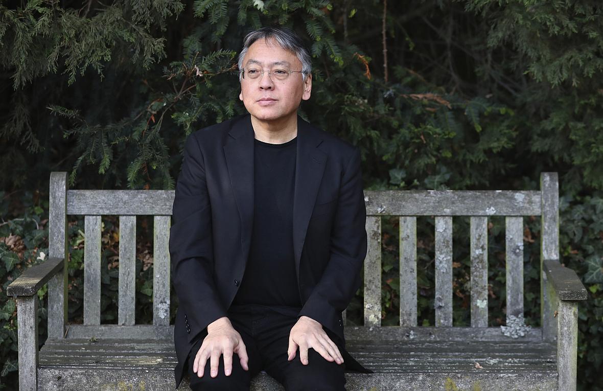 Kazuo Ishiguro tuż po otrzymaniu literackiej nagrody Nobla 5 października 2017 roku