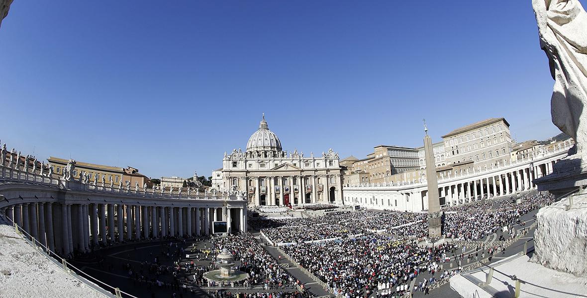 Franciszek wprowadza zamieszanie w Watykanie?