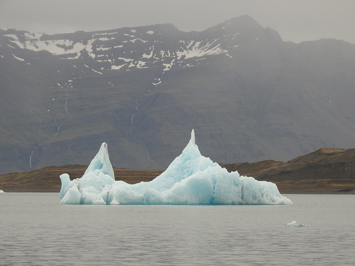 Laguna lodowcowa Jökulsárlón, południowo-wschodnia Islandia