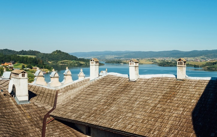 Z dachu, którego zamku jest taki piękny widok?