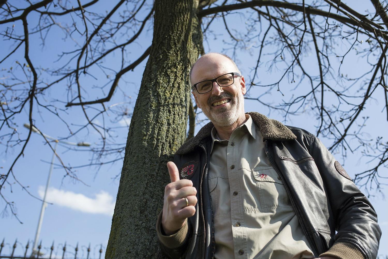 Peter Wohlleben posadził drzewo w Warszawie
