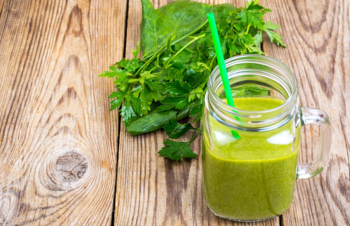 Koktajl owocowo-warzywny to doskonały element zdrowego posiłku