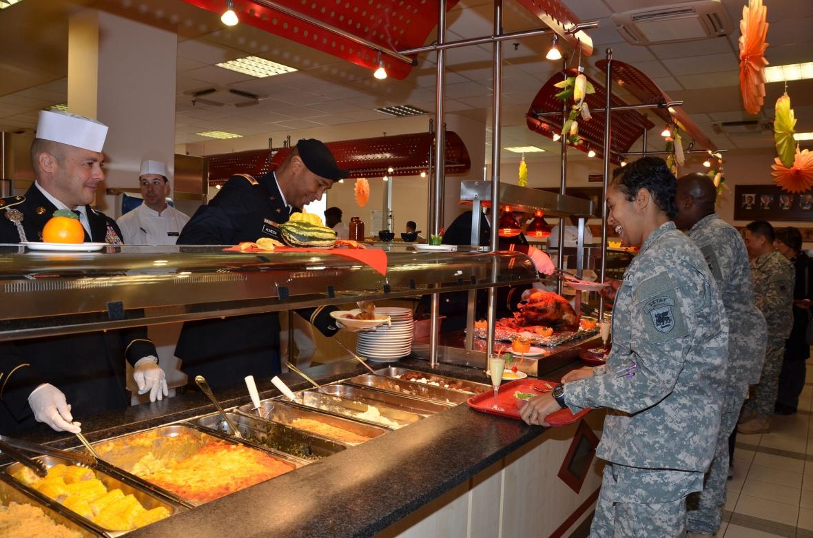 Święto Dziękczynienia w amerykańskim garnizonie w Vicenzie we Włoszech