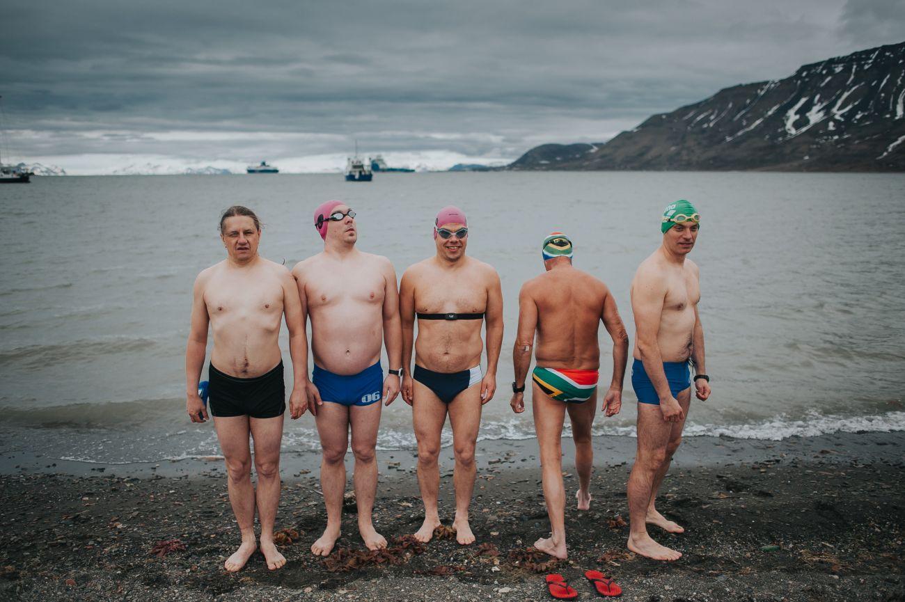 Wyprawa do Arktyki. W środku: Leszek Naziemiec