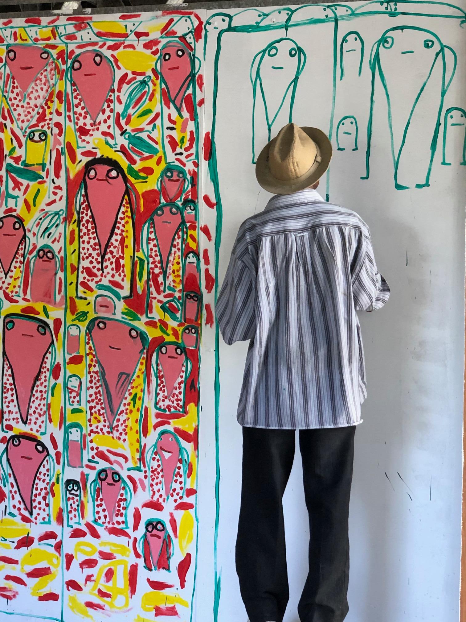 Ściany w szkole malowane przez artystów.