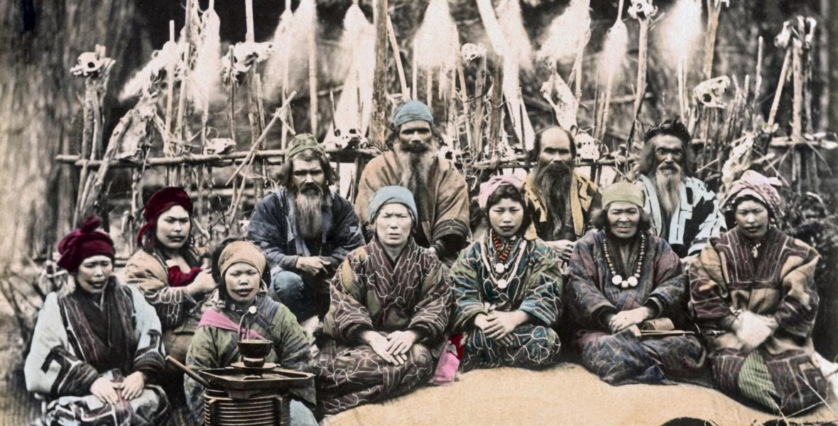 Ajnowie - lud z północy Japonii i Sachalinu
