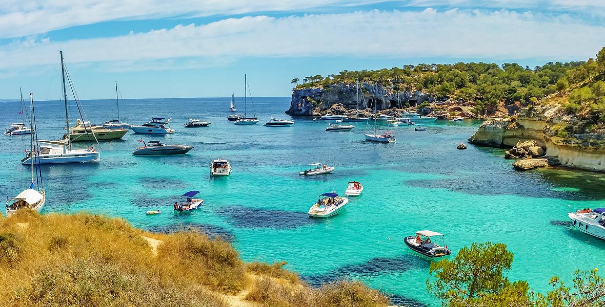 Hiszpania posiada prawie 5000 km linii brzegowej