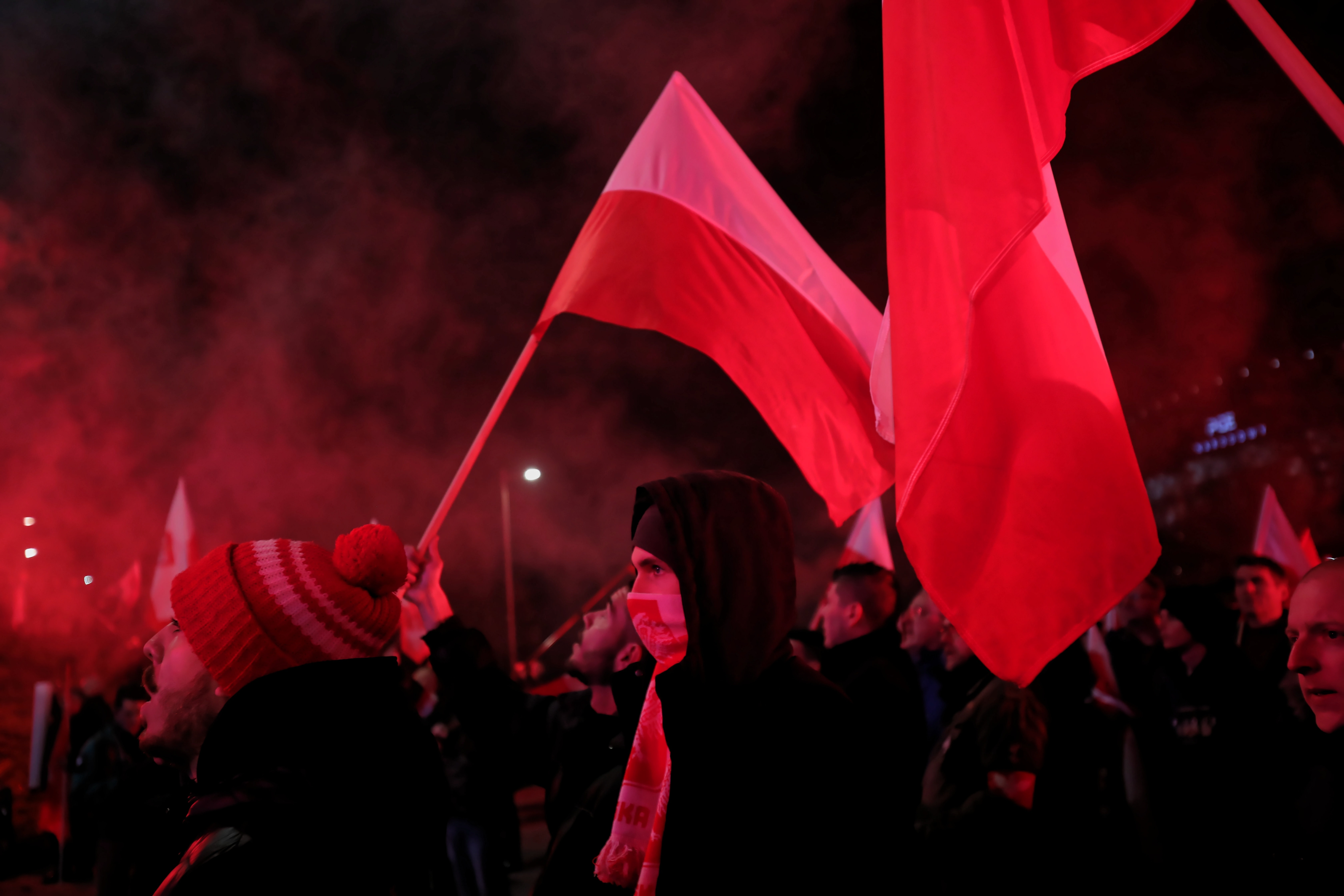 Sowa: I znów byliśmy świadkami gry Jarosława Kaczyńskiego z narodowcami. Tym razem plany graczy pokrzyżowała niska frekwencja. I dobrze! (OPINIA)
