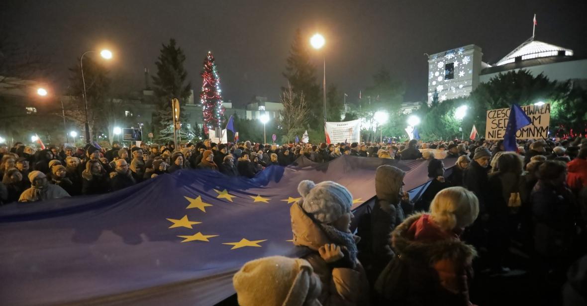 Warszawa, 18.12.2019. Uczestnicy protestu pod hasłem
