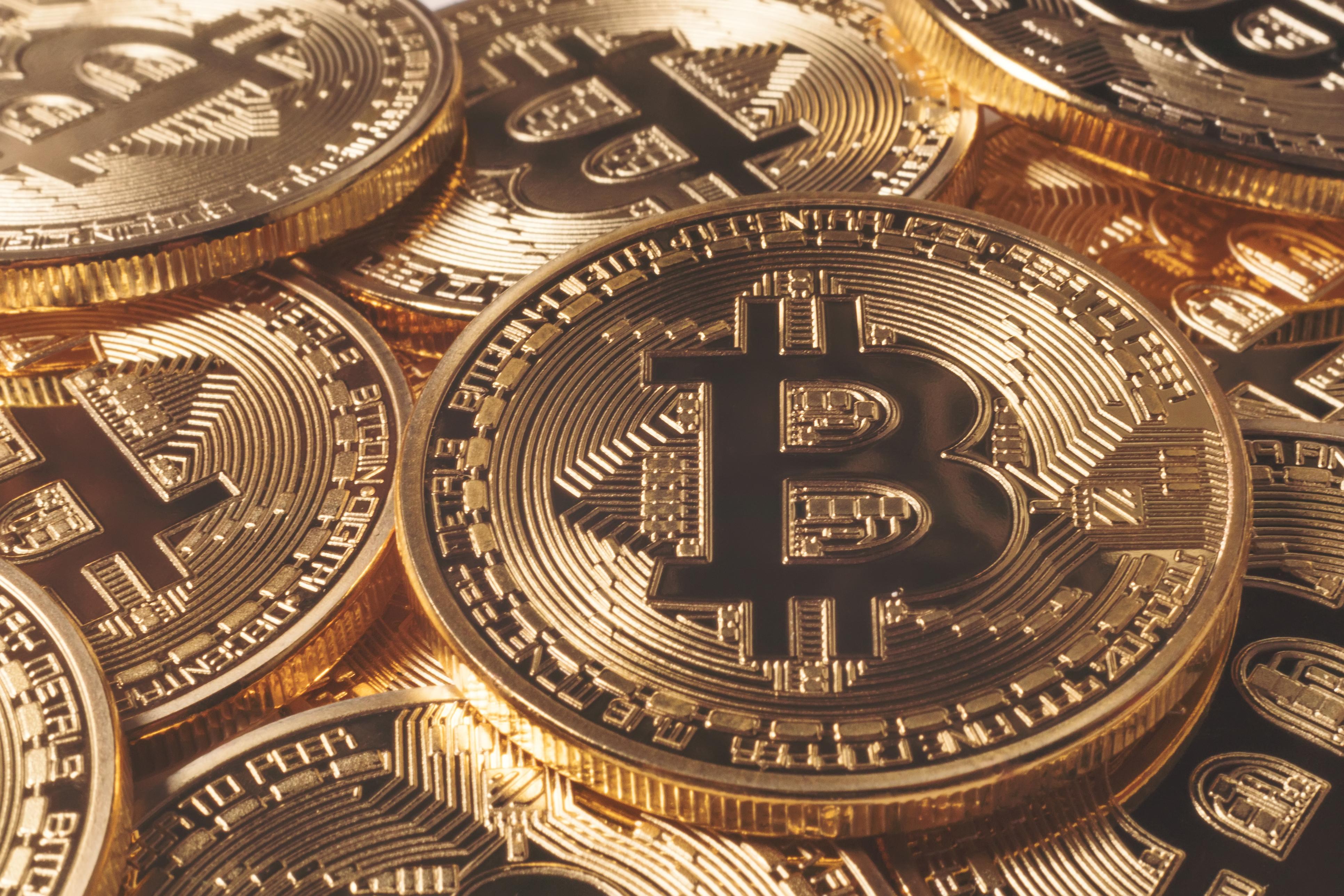 de unde profitează bitcoin)