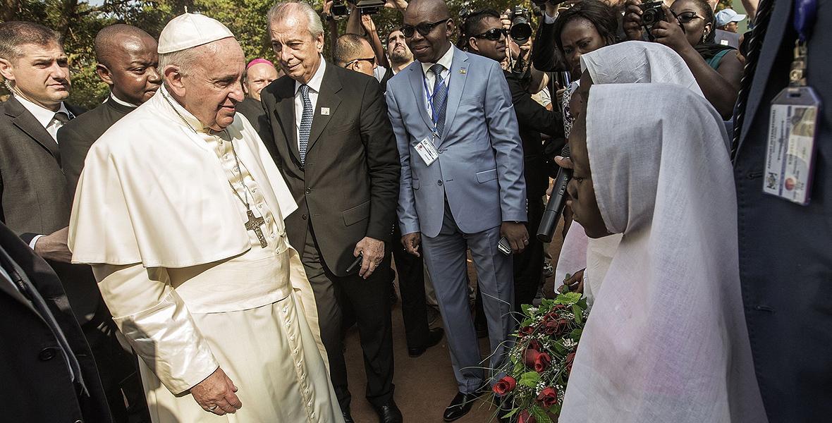 Papież Franciszek pielgrzymuje do Afryki