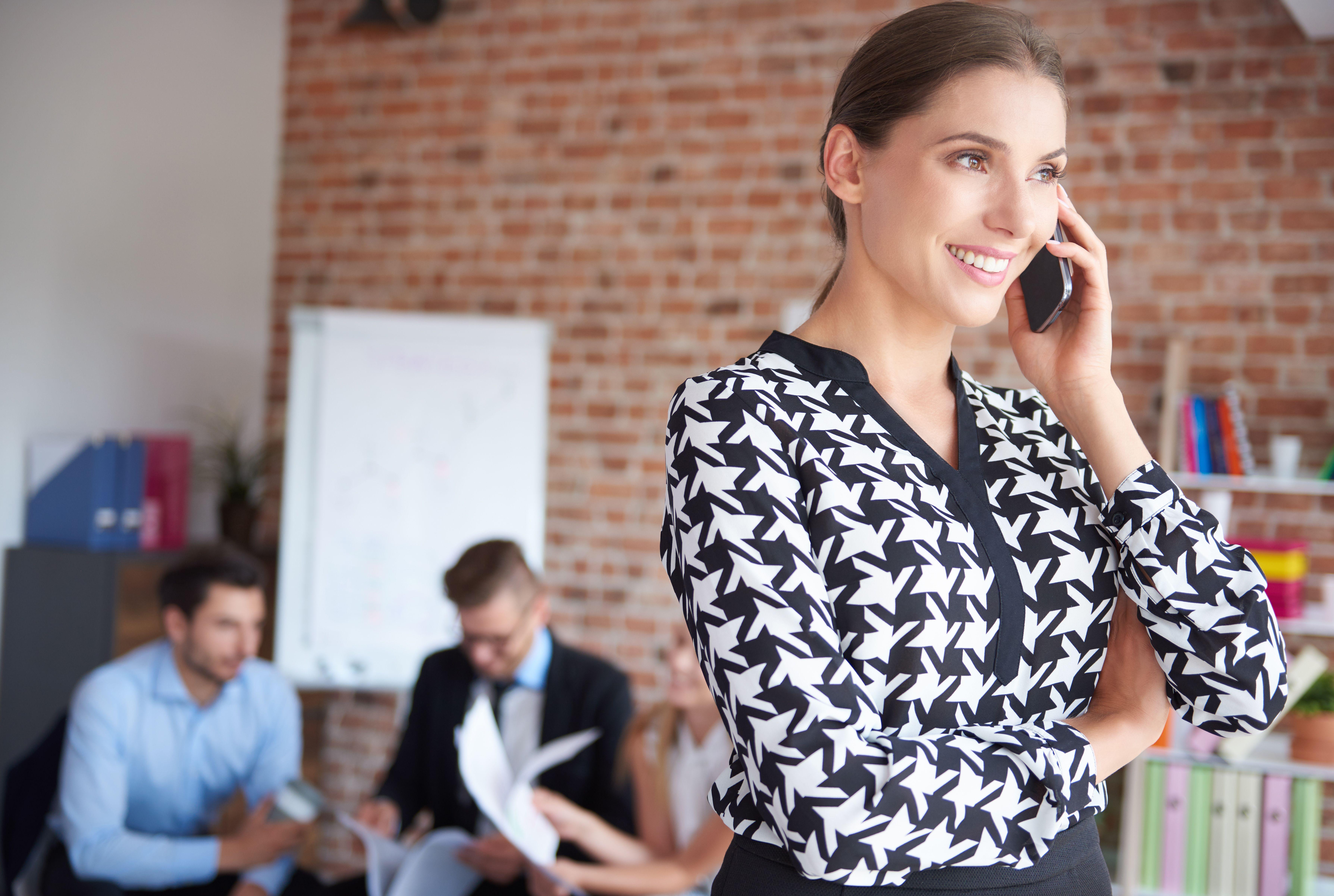 SPÓDNICE DLA KOBIET Z BRZUSZKIEM Poradnik Kobiety