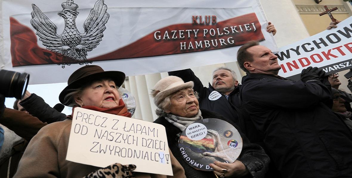 Warszawski protest przeciwko zapisom zawartych w karcie LGBT+ i
