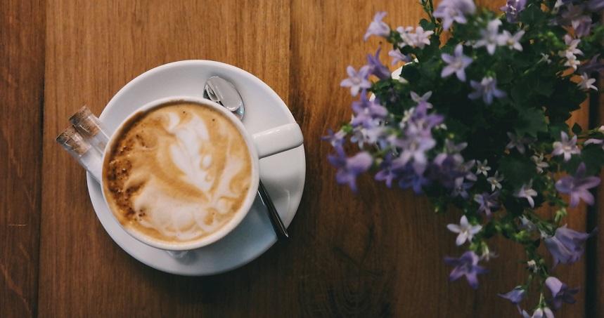 Jak usunąć plamę z kakao i kawy?