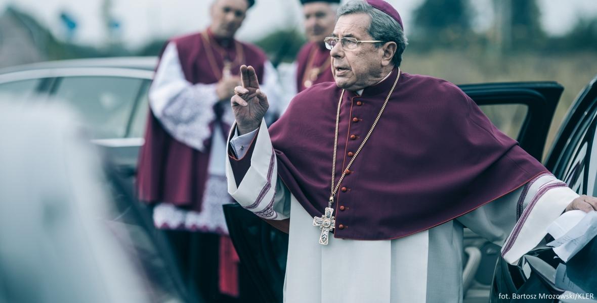 """Janusz Gajos jako biskup w filmie """"Kler"""""""