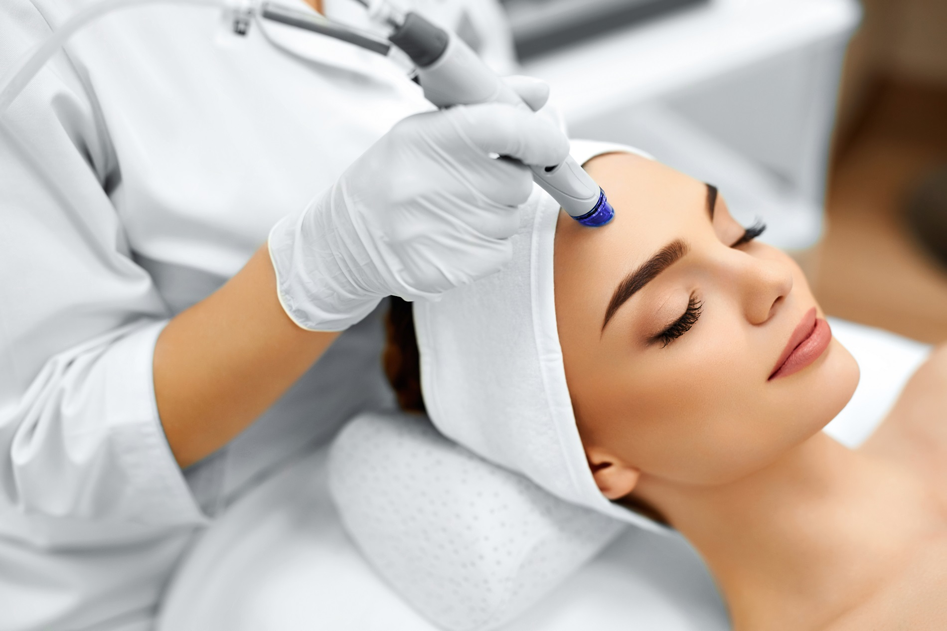 With laser facial cleaning