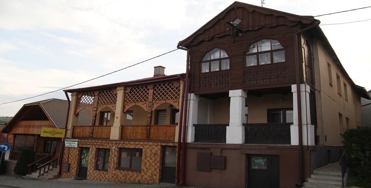 Zabytkowe budynki na pruchnickim rynku.