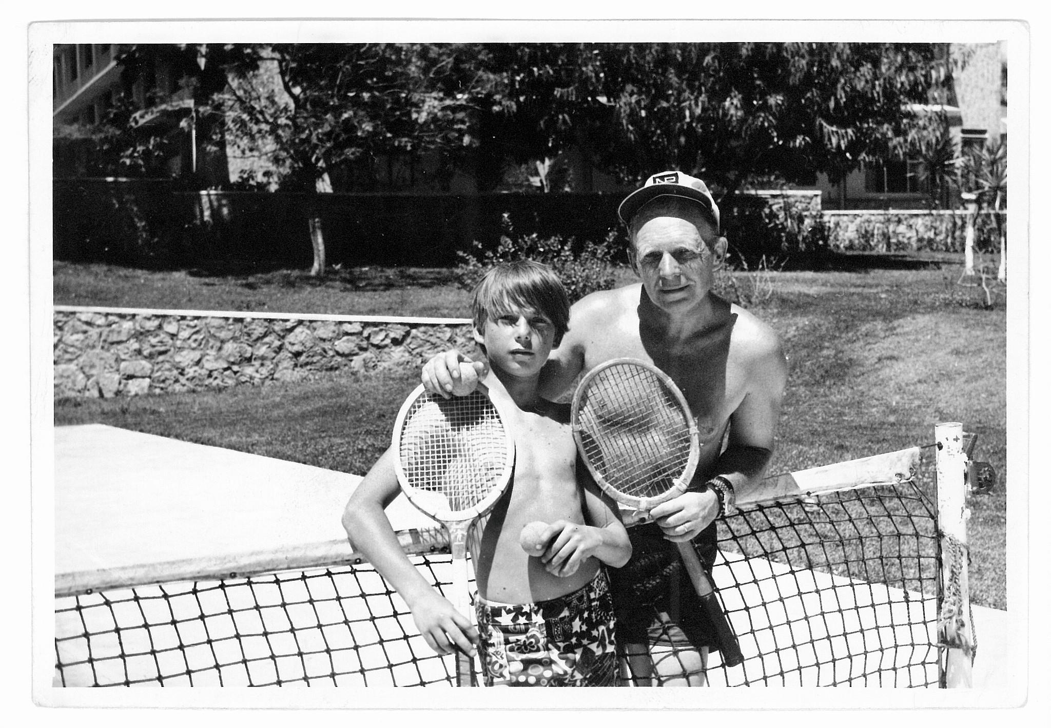 Tony Halik z synem Ozaną