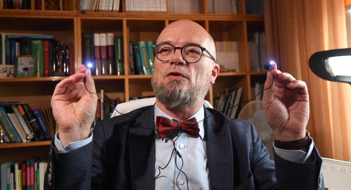 Kierownik II Kliniki Psychiatrycznej w Instytucie Psychiatrii i Neurologii w Warszawie prof. Łukasz Święcicki