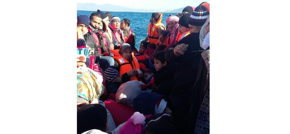 Jedna z tysięcy nielegalnych łodzi z uchodźcami. Nikt nie wie, ile takich łodzi zatonęło