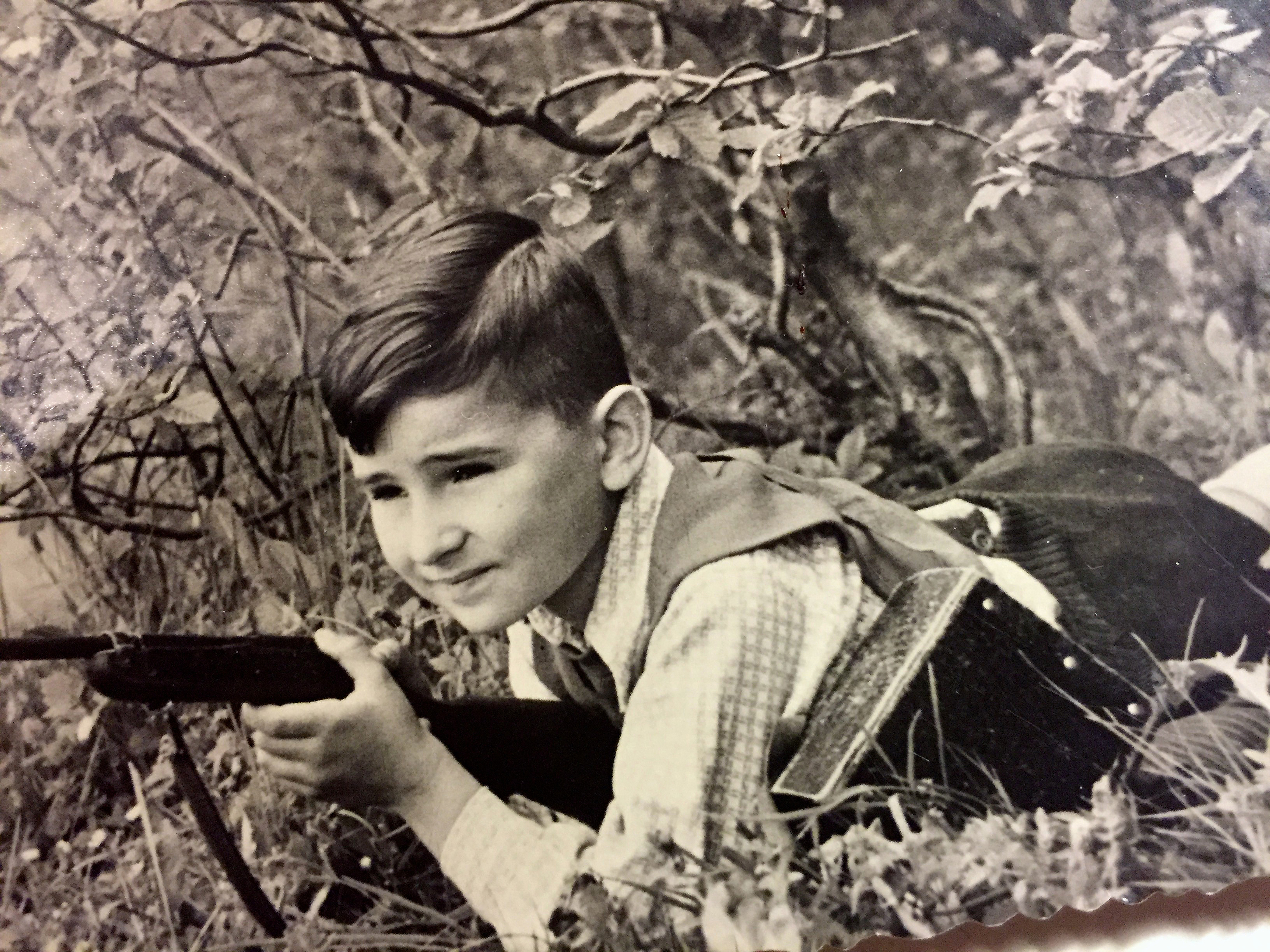 Jerzy Sarnecki w wieku 8 lat